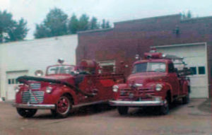 1942 GMC/CENTRAL 500 GPM PUMPER AND 1948 CHEVY HOME BUILT WITH THE BED FROM THE ORIGINAL 1927 CHEVY FRONT MOUNT